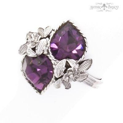 Винтажное кольцо для «История любви» от Sarah Coventry
