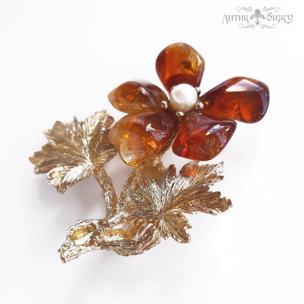 Винтажная брошь с янтарем «Цветок» от Swoboda для самых оригинальных и стильных