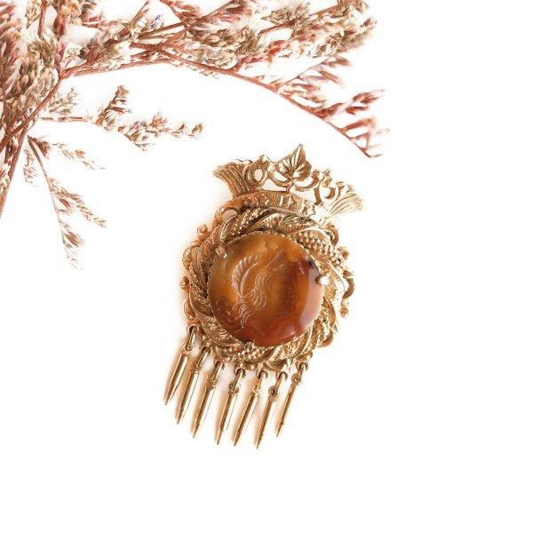 Винтажная геральдическая брошь «Инталия» от Florenza для самых оригинальных и стильных