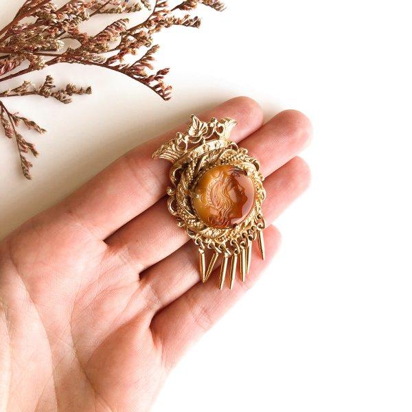 Винтажная геральдическая брошь «Инталия» от Florenza оригинальный и эксклюзивный подарок девушке