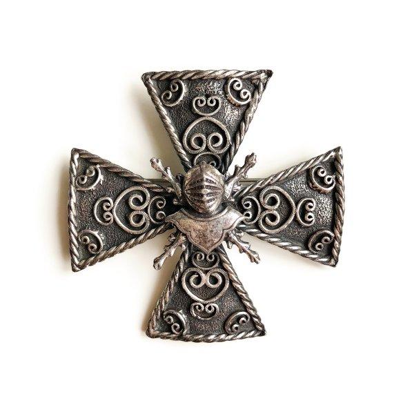 Винтажная коллекционная брошь «Мальтийский крест» от Accessocraft для любителей старины и антиквариата