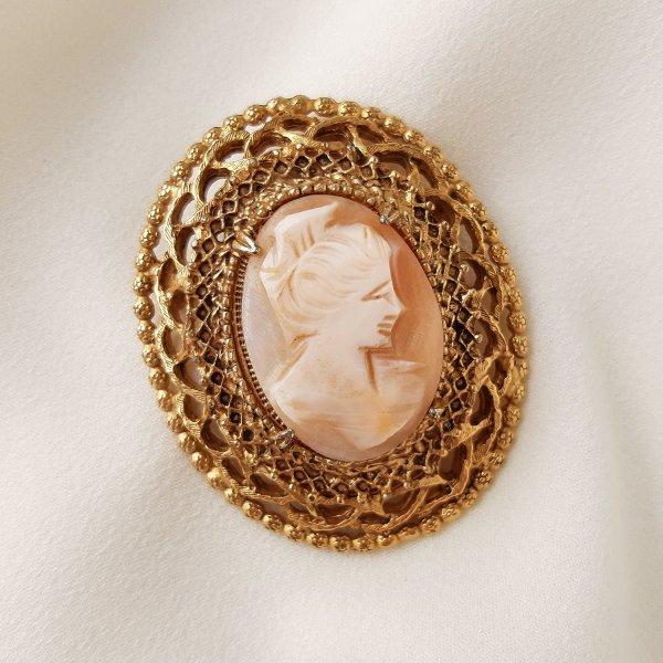 Винтажная брошь с камеей «Элизабет» от Florenza для любителей старины и антиквариата
