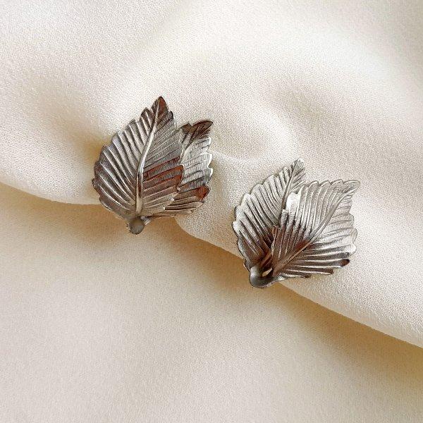 Винтажные клипсы «Серебряные листья» от Lisner для самых оригинальных и стильных