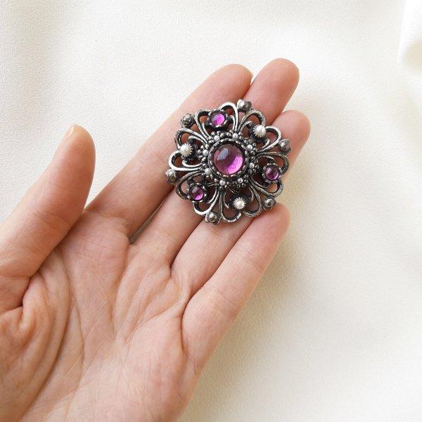 Винтажная брошь «Пурпур» от Miracle это настоящая бижутерия класса люкс