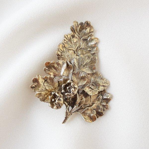 Винтажная серебряная брошь «Цветущий крыжовник» от Flora Danica это настоящая бижутерия класса люкс