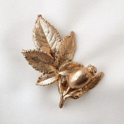 Винтажная брошь «Дикий шиповник» от Flora Danica