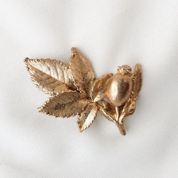 Винтажная брошь «Дикий шиповник» от Flora Danica это настоящая бижутерия класса люкс