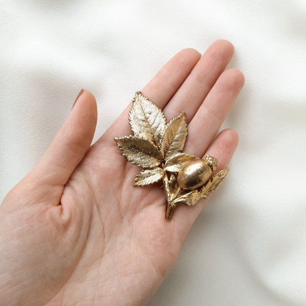 Винтажная брошь «Дикий шиповник» от Flora Danica оригинальный и эксклюзивный подарок девушке