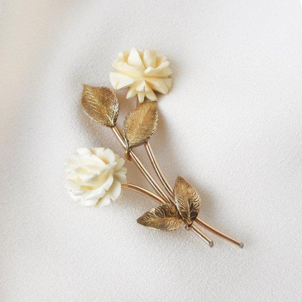 Винтажная брошь из кости «Белые розы» от Krementz оригинальный и эксклюзивный подарок девушке
