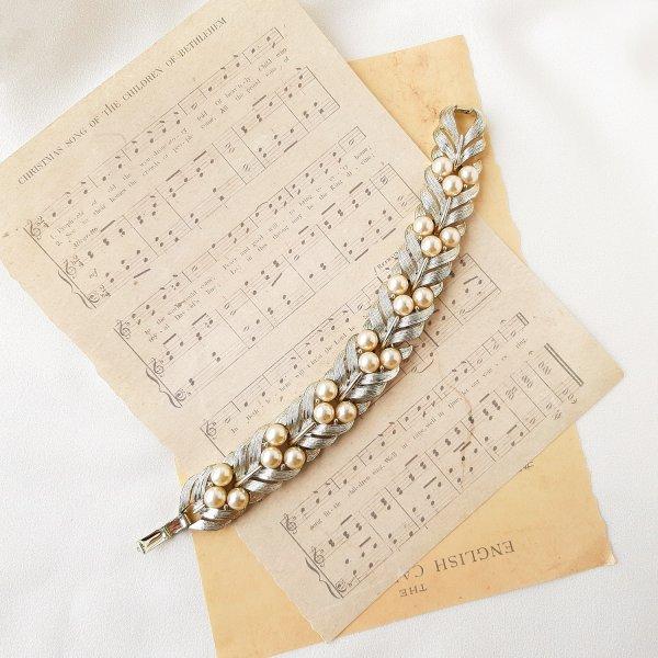 Винтажный браслет «Кремовый жемчуг» от Lisner для любителей старины и антиквариата