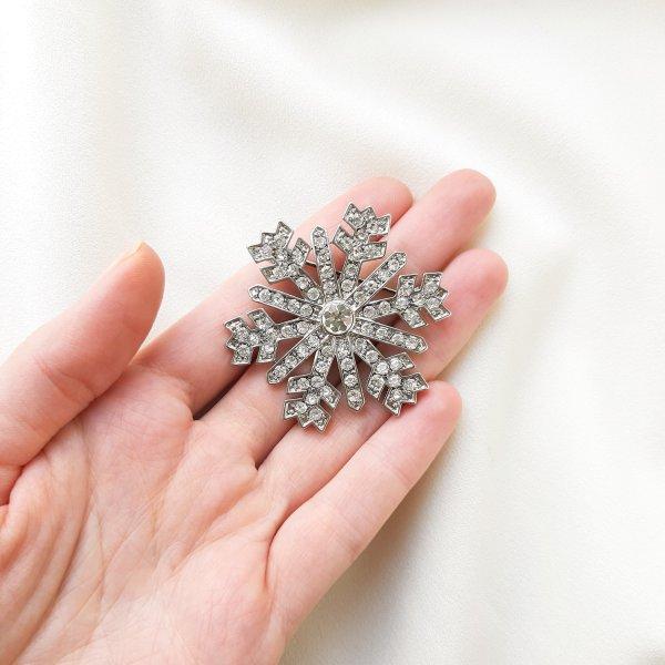 Рождественская брошь «Снежинка» от Monet Купить антиквариат