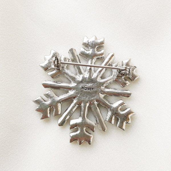 Рождественская брошь «Снежинка» от Monet Купить бижутерию