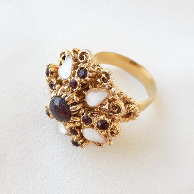 Винтажное коктейльное кольцо «Гранатовый шик» от Florenza