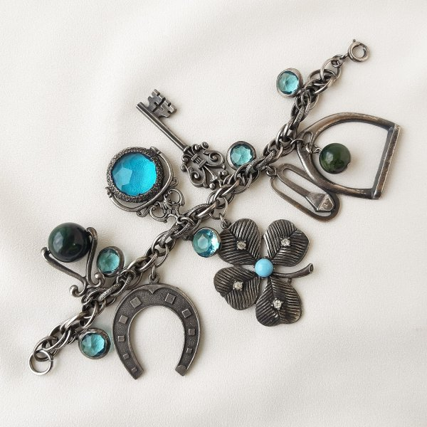 Винтажный браслет с подвесками «Удача» от Art для самых оригинальных и стильных