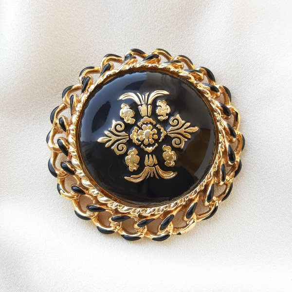 Винтажная брошь «Мальтийский крест» с черной эмалью от Craft Купить