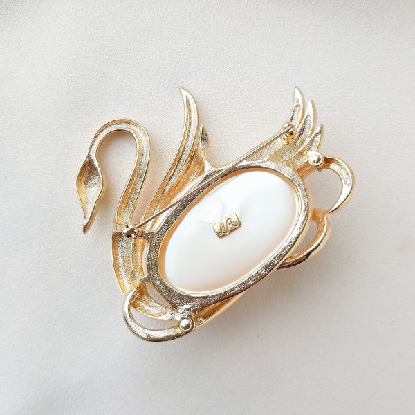 Винтажная брошь «Лебедь» от Lady Remington это настоящая бижутерия класса люкс