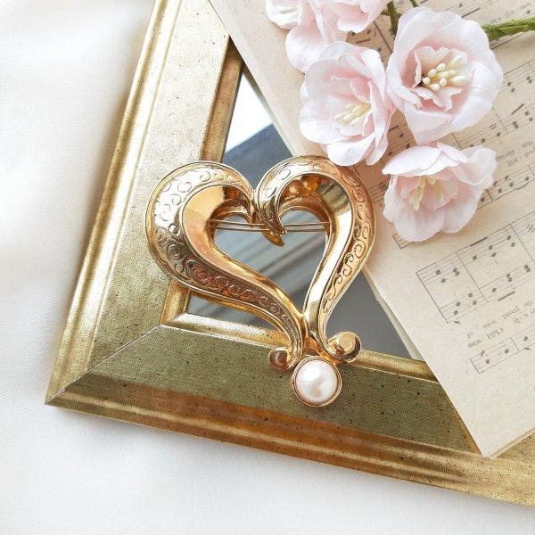 Винтажная крупная брошь «Сердце» от Avon для любителей старины и антиквариата