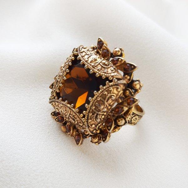 Винтажное коктейльное кольцо «Каприз» от Florenza Купить антиквариат