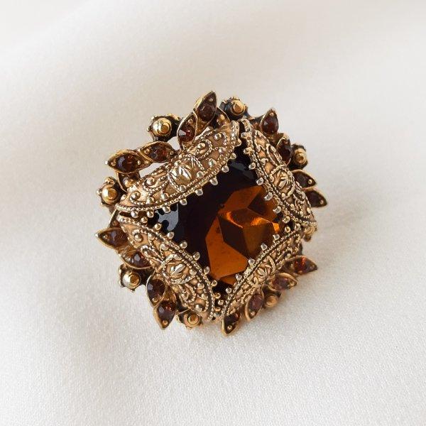 Винтажное коктейльное кольцо «Каприз» от Florenza Купить винтаж
