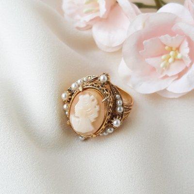 Винтажное коктейльное кольцо с камеей от Florenza
