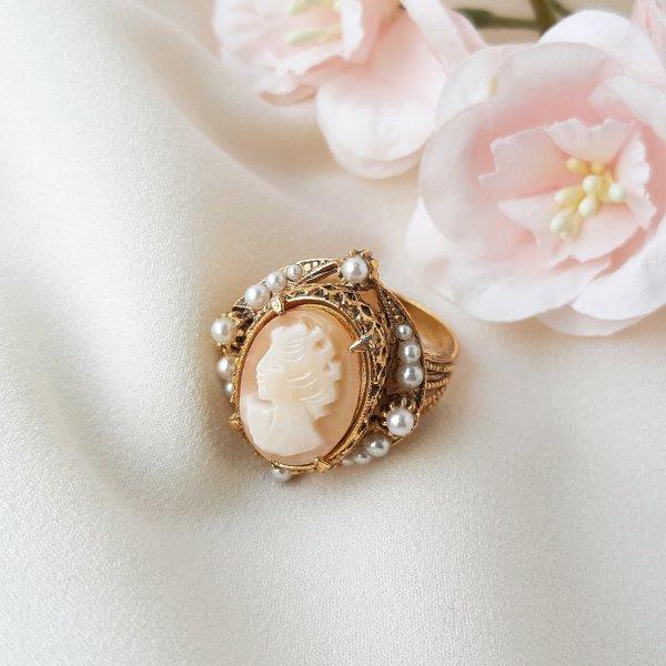Винтажное коктейльное кольцо с камеей от Florenza Купить