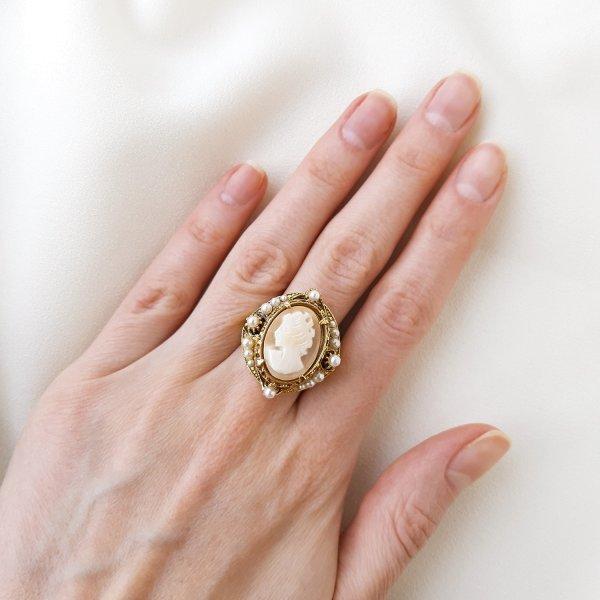 Винтажное коктейльное кольцо с камеей от Florenza Купить винтаж