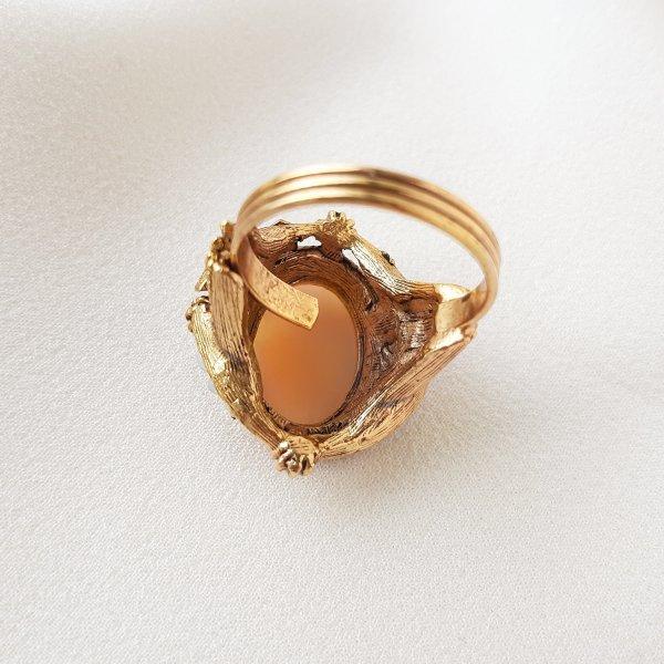 Винтажное коктейльное кольцо с камеей от Florenza Купить антиквариат