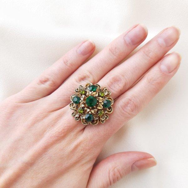 Винтажное коктейльное кольцо «Изумруд» от Art это настоящая бижутерия класса люкс