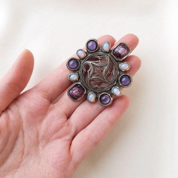 Винтажная брошь «Древняя магия» от марки Miracle Купить винтаж