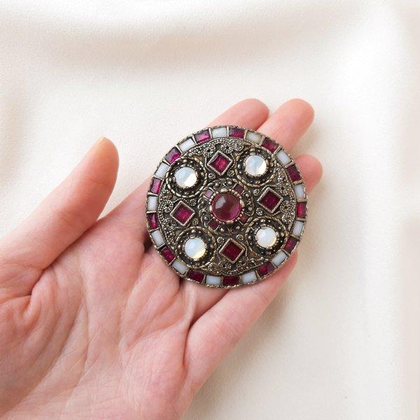 Винтажная брошь «Лунный талисман» от марки Miracle Старинные украшения