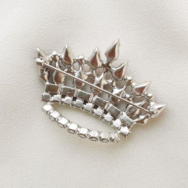 Винтажная брошь «Королевская корона» от B. David это настоящая бижутерия класса люкс