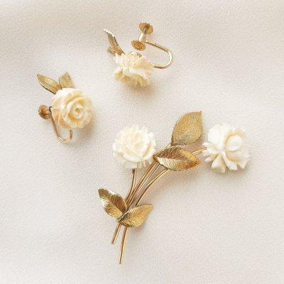 Коллекционный комплект «Белые розы» от Krementz