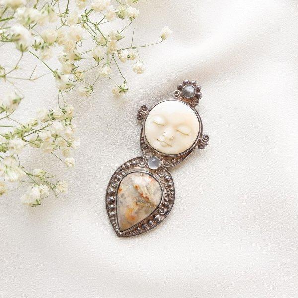 Винтажная брошь-кулон с лунным ликом от Sajen для любителей старины и антиквариата