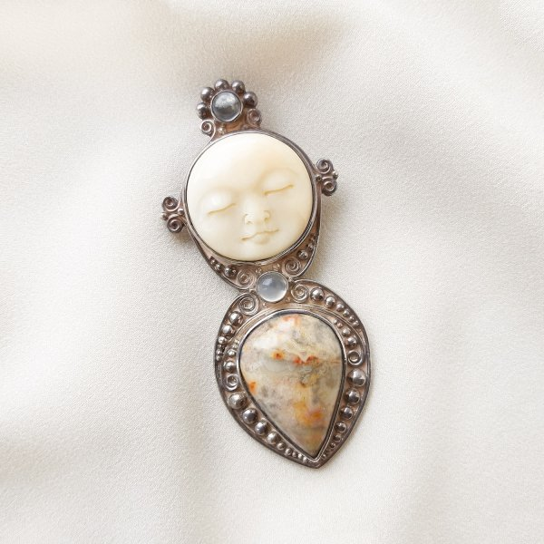 Винтажная брошь-кулон с лунным ликом от Sajen для самых оригинальных и стильных