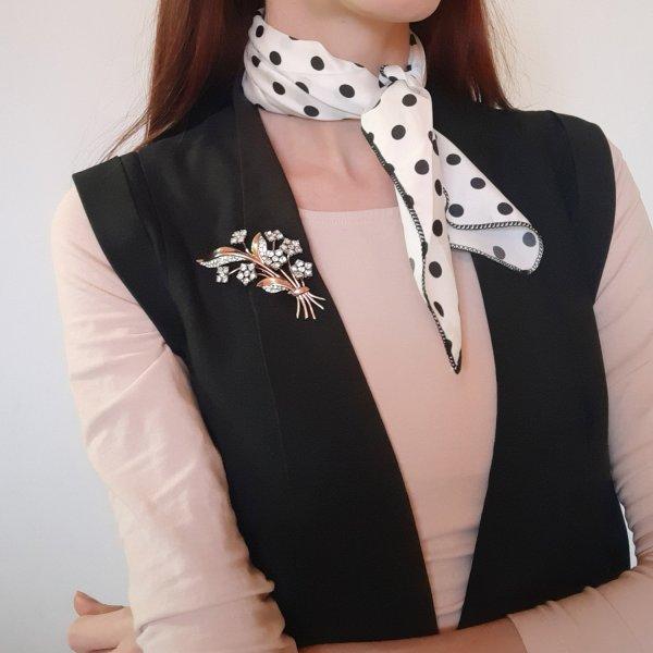 Антикварная брошь-зажим дресс-клип «Цветок» от Trifari это настоящая бижутерия класса люкс