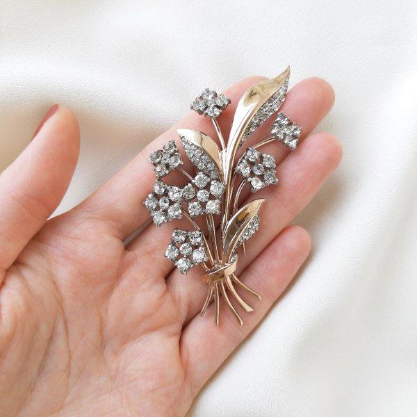 Антикварная брошь-зажим дресс-клип «Цветок» от Trifari для самых оригинальных и стильных