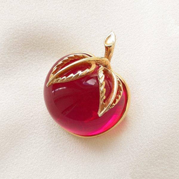 Винтажная брошь «Райское яблочко» от Sarah Coventry Купить винтаж