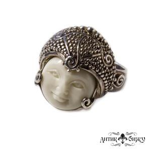 Винтажное кольцо «Белая богиня» от Sajen