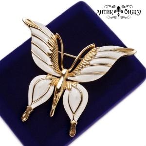Винтажная коллекционная брошь «Белая бабочка» от дома Trifari